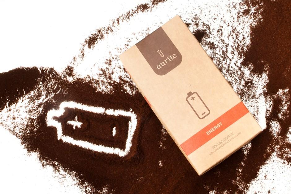 Kawa funkcjonalna To naturalna kawa wzbogacona szeregiem składników mineralnych i witamin lub z dodatkiem uszlachetniających składników, które powodują, że nabiera szczególnych właściwości. R eceptury kaw funkcjonalnych są unikatowe i powstają we współpracy kiperów z naukowcami i specjalistami do spraw prawidłowego żywienia.