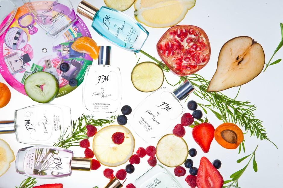 Kolekcja Klasyczna jest sercem kolekcji zapachów Federico Mahora. W jej skład wchodzi 55 perfum damskich (52 w buteleczkach o pojemności 30 ml i 3 we flakonikach o pojemności 15 ml) oraz 30 wód perfumowanych męskich (w buteleczkach o pojemności 50 ml). Dostępne są w ustandaryzowanych flakonach i kartonikach.jest sercem kolekcji zapachów  Federico Mahora. W jej skład wchodzi 55 perfum damskich (52 w buteleczkach o pojemności 30 ml i 3 we flakonikach o pojemności 15 ml) oraz 30 wód perfumowanych męskich (w buteleczkach o pojemności 50 ml). Dostępne są w ustandaryzowanych flakonach i kartonikach.