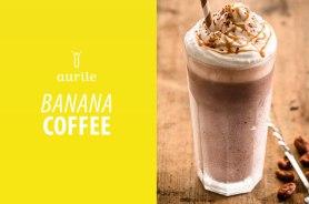Składniki: • 1 banan, • 2 łyżeczki Aurile Energy lub innej kawy, • 2 łyżeczki brązowego cukru, • 2 łyżeczki kakao, • 3/4 szklanki mleka, • bita śmietana do dekoracji. Przygotowanie: 1. Zaparz kawę w temperaturze 95°C, 2. Dodaj cukier i daj jej ostygnąć, 3. Wlej zimną kawę do blendera i dodaj pociętego w plastry banana, mleko i kakao, 4. Wymieszaj, 5. Wlej gotową kawę do swojego ulubionego kubka lub szklanki, 6. Udekoruj bitą śmietaną i kakao.