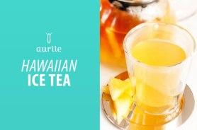Składniki: • 1/2 litra zaparzonej czarnej herbaty Aurile Harmony, • 4 plastry ananasa z puszki, • 10 łyżek syropu ananasowego z puszki, • 2 łyżki soku z cytryny, • 1 łyżka brązowego cukru, • opcjonalnie kilka kostek lodu. Przygotowanie: 1. Pokroić plastry ananasa w kostkę i zalać gorącą herbatą. 2. Dodać syrop ananasowy, sok z cytryny i cukier. 3. Mieszać i odstawić do wystudzenia. 4. Podawać z kostkami lodu i ozdobić szklanki plastrami ananasa.
